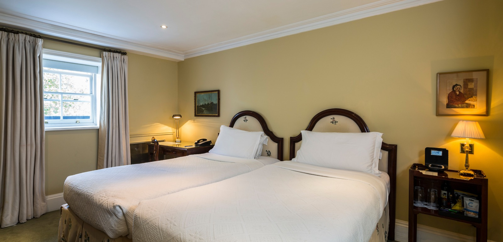 Twin Beds Hotel of Roseate London