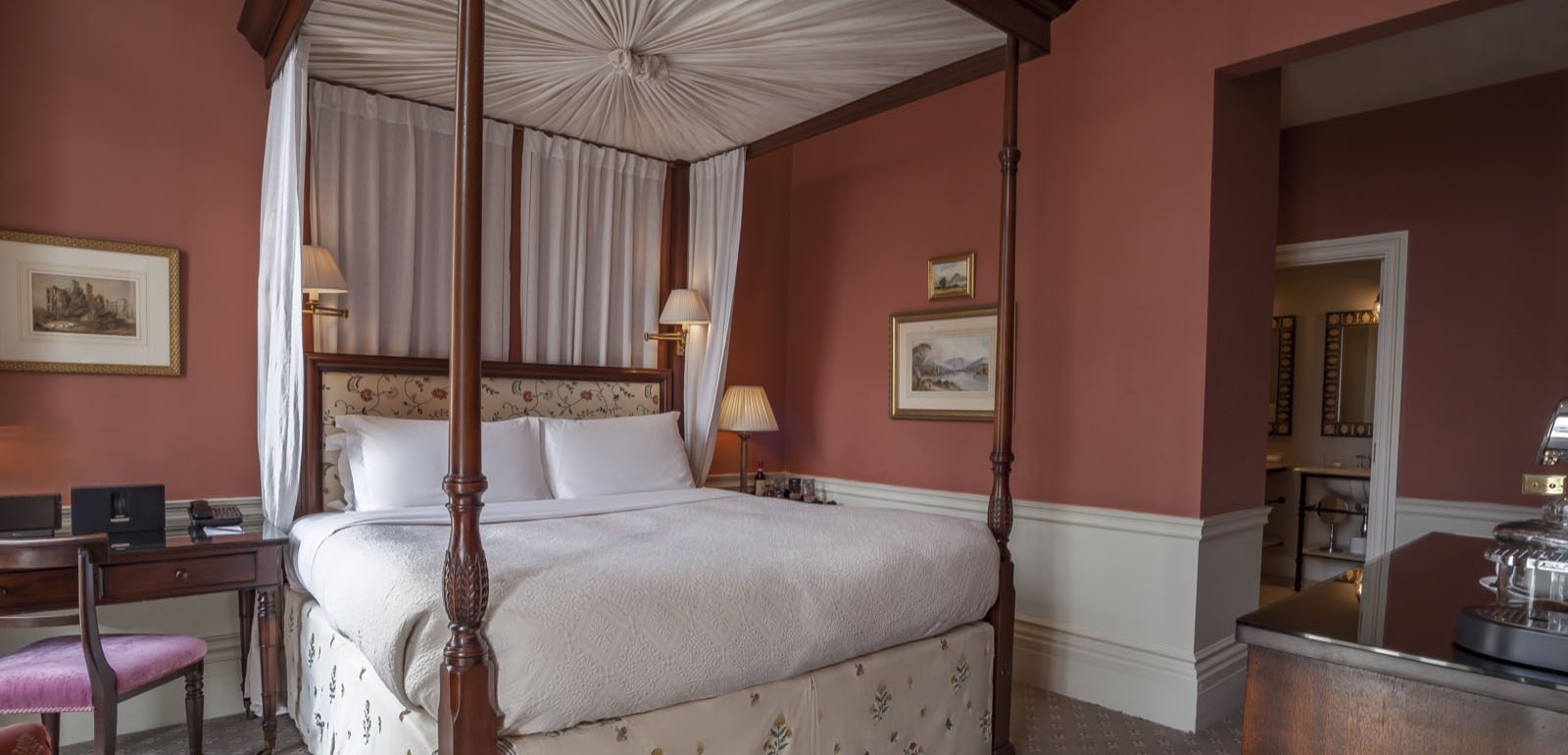 Luxury Room at The Roseate House London