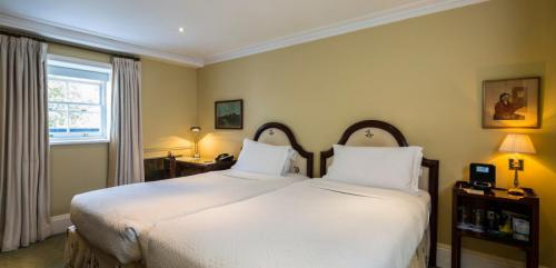 Executive-Twin-Room-2 (1)