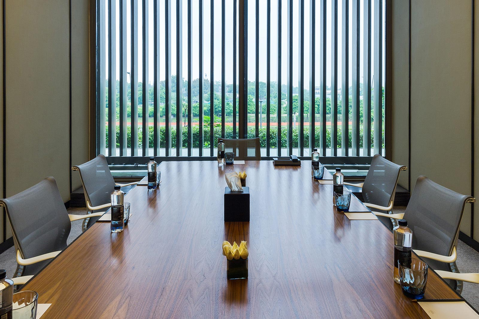 Conference Rooms Club Lounge at Roseate House