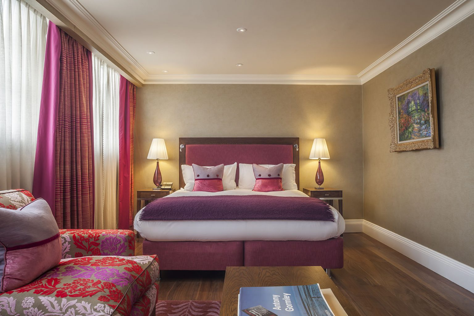 Execuitive Suites Room of The Roseate Hotel Reading