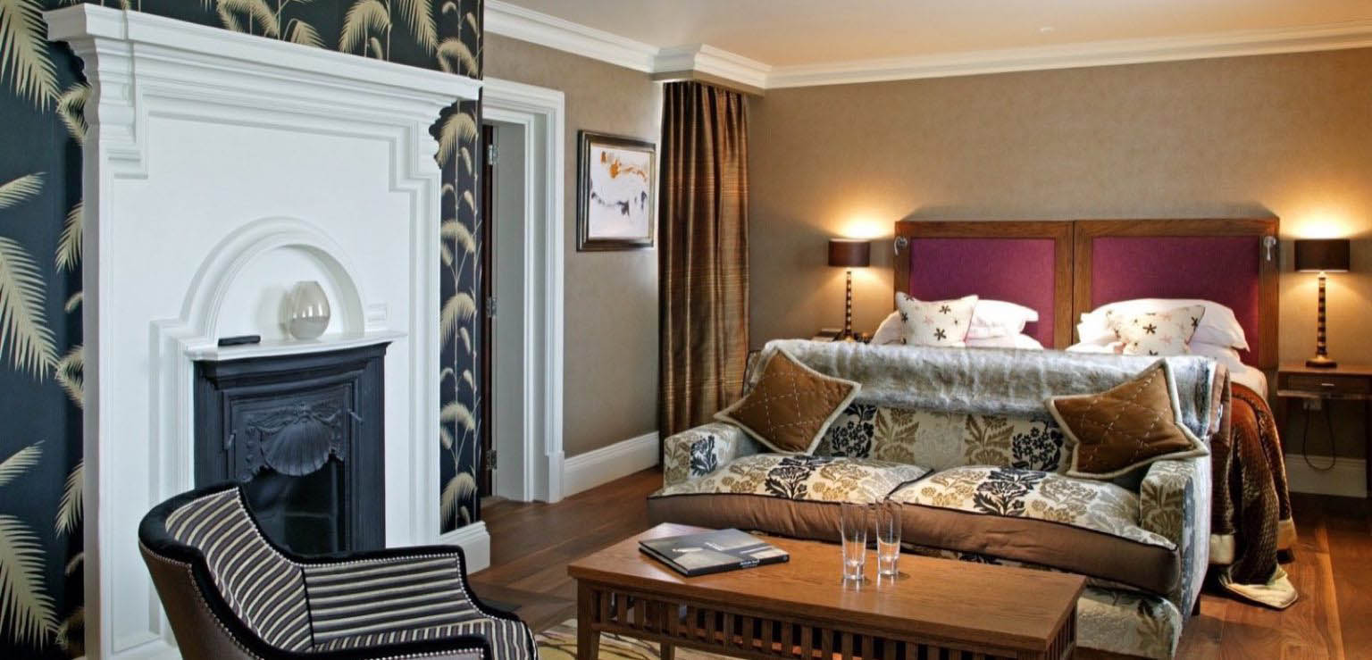 Best Premier Suite Room of The Roseate Hotel Reading