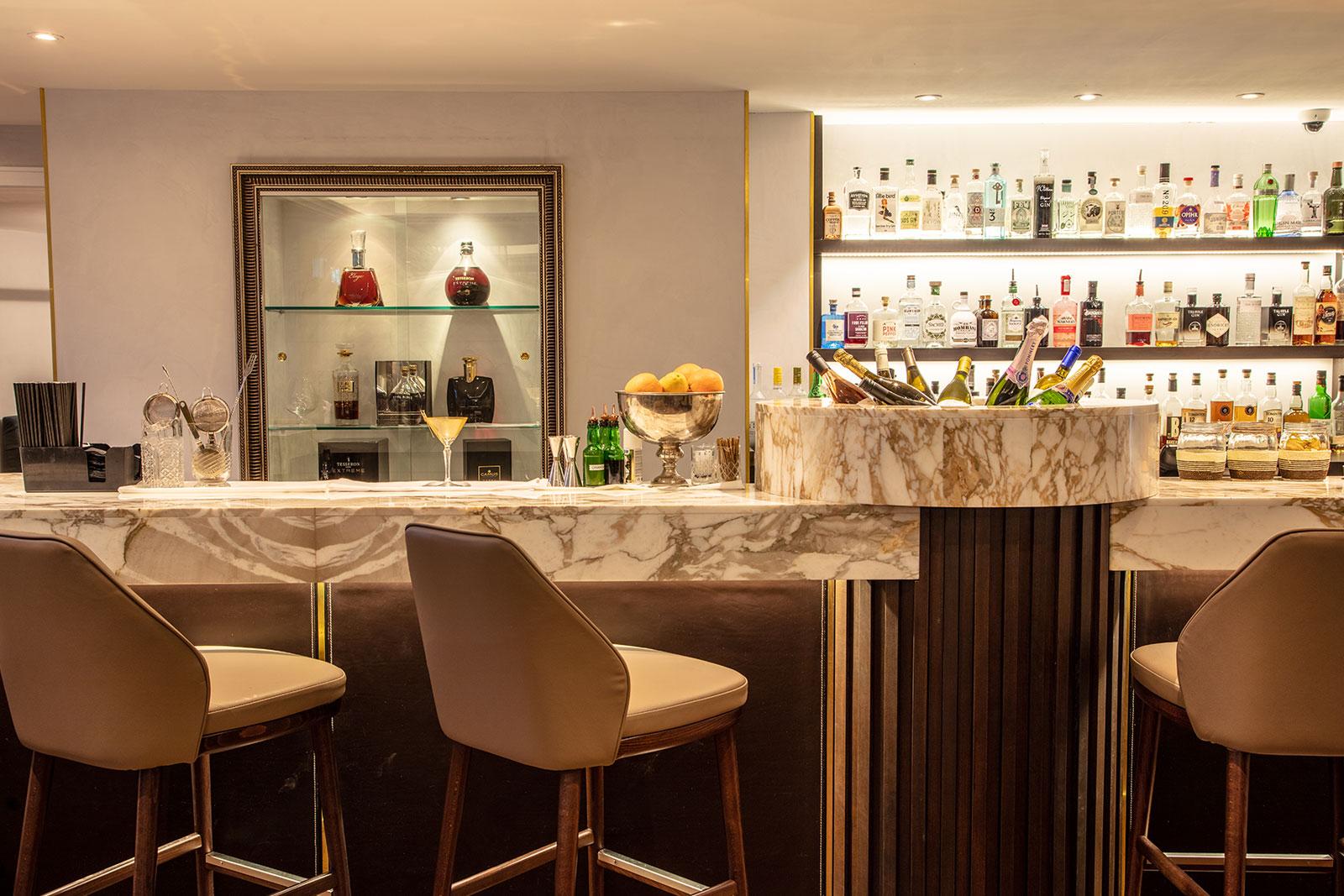 Best restaurant & Bar in Reading The Roseate Hotel